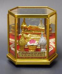 リクライニング仏陀(寝釈迦)置物中アクリルケース入り 宅配送料込