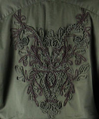 Bennu(ヴェンヌ)  120731002 / Back embroidery military long Jackt