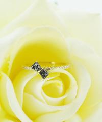 055-39383 K18ダイヤモンド&ブラックダイヤモンド りぼん/R