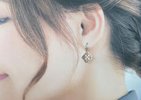 【花ブロックピアス】-フックtype-