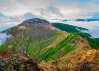 【写真】貫録のある茶臼岳