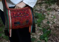 アカ族古布肩掛け鞄 2