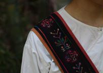 アカ族古布肩掛け鞄 1