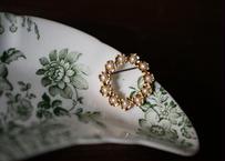 花リースのブローチ FRANCE vintage ブロカント