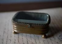アンティークのシルク ガラスの宝石箱 フランスアンティーク