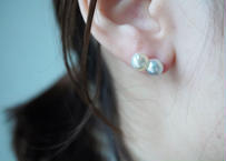 Akoya twin gray stud pierce