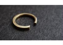 aとbの間の指輪 (brass)