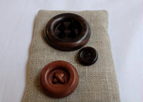 SET A : WOODEN BUTTON BROOCHES