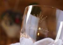 シンプルな王冠の名入れグラス