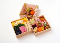 【MR様向け】野菜ちらし寿司と彩り9升の三段弁当【ペット茶付き】