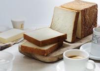【ギフトやお祝いごとに!】パンのスペシャルセット:テーブルを鮮やかに彩るアソートBOX♪