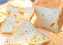 """NEW!【夏の新作第2段!!】枝豆コーン〜チェダーチーズ仕立て〜: ふじ森初! """"甘くない食パン""""! お子様にはもちろん、お酒のあてにも♪ サンドイッチにしてもリッチです♪"""