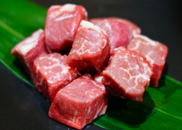 プライムフィレ サイコロステーキ200g【お祝いなどの贈り物にも最適 AKARENGA STEAK HOUSEのステーキをご自宅で】
