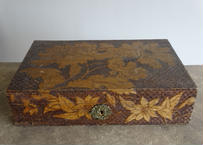 ヴィンテージBOX 花柄彫刻 木製ボックス 木箱 44.4x28cm