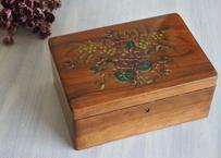 モシュリンヌ スミレとミモザ柄 オリーブ 木製の箱 ボックス