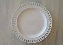 サルグミンヌ オープンワークリム 白いメイン皿 直径23.5cm〖202108-017〗