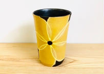 黒土黄花紋ビアカップ