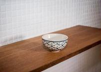 ベトナムバッチャン焼き_ハンドペイントな日本の松?! モノトーンの全面デザインはかっこいいっす