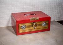 レトロな金庫_真っ赤な鍵つきのレトロな金庫ちゃんと使える!美品だし結構珍しいかも