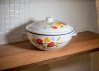 ベトナムホーロー鍋_港町で造られる無骨なのに可愛い手描き鍋  なんて愛おしいプロダクトなんでしょう