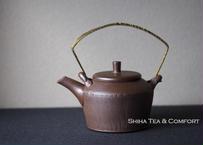 Jinshu  甚秋 Brown Metal handle small Ceramic Kyusu Teapot, Tokoname, Japanese Kyusu