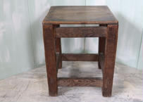 木製四角椅子