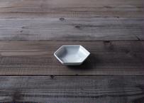 【atelier七緒】六角小皿 白磁