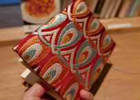 西陣織 ブックカバー 正絹 羽重ね紋様 エンジ地 一点もの