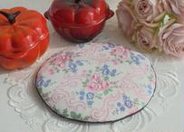 ジャーマンファブリックバラの咲く庭 アンティーク生地のポットマット ティーマット 鍋敷き 鍋つかみ ふわふわもこもこマシュマロシリーズ