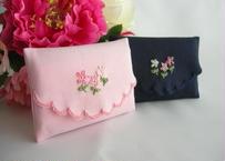 手刺繍ミニポケットティッシュケース お受験用にも ピンクと濃紺 通園通学