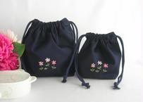 手刺繍 通園おべんとう袋とコップ袋または給食袋セット 紺色