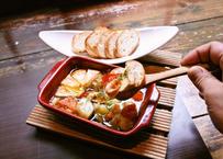 カマンベールチーズと海老のアヒージョ