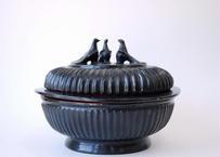 ミャンマー製漆器 木胎黒漆鳩箱 L