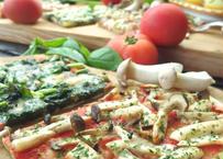 天然酵母季節野菜のピザ& ブルーベリーのスイーツピザセット ※ピザは6種類の内、旬のものを4種とブルーベリーのスイーツピザを組み合わせ5枚セットにして発送します。
