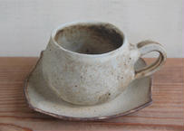 手びねり丸コーヒーカップ&ソーサ― ベージュ