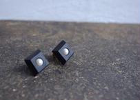 lampan/革製ペアイヤリング〈黒〉