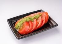 冷やしトマトにバジルソース