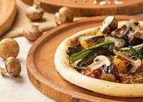 舟形マッシュルームとアンチョビのピッツァ