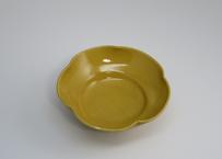黄釉花形小鉢 (太亀 作)