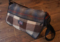 Johnson wool shoulder bag