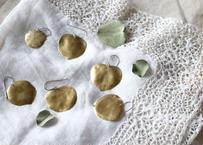 真鍮 ユーカリの葉 pierce
