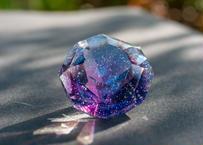 ダイヤモンド型オブジェ 宇宙 アメジスト (ボロシリケイトガラス) GN-12211
