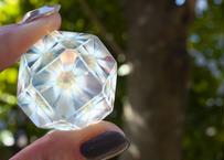 ダイヤモンド型ガラスオブジェ 透明背景 研磨 (ボロシリケイトガラス) GN-12201