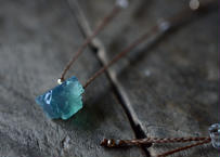 フローライト(ダイアナマリア産)/一粒の鉱物ネックレス148