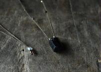 ブラックトルマリン/一粒の鉱物ネックレス108