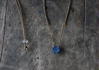 ブルーフローライト /一粒の鉱物ネックレス117