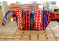アカ族の刺繍クラッチバッグ(持ち手:青)