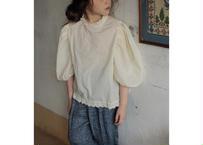 TORTE blouse / ブラウス / スタンドカラー / パフスリーブ / クリーム