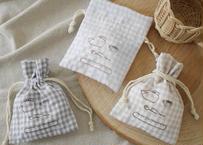 パジャマみたいな生地の巾着『クマとパンとコーヒー』