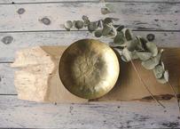 【Ery】真鍮打出し模様丸皿